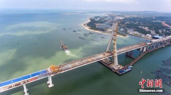 资料图:海南铺前大桥。中新社记者 骆云飞 摄