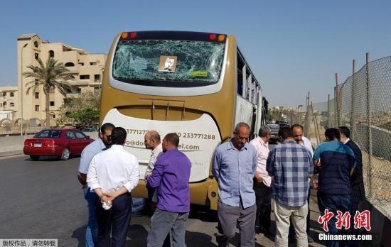 当地时间5月19日,埃及吉萨金字塔附近大巴车遭爆炸袭击。