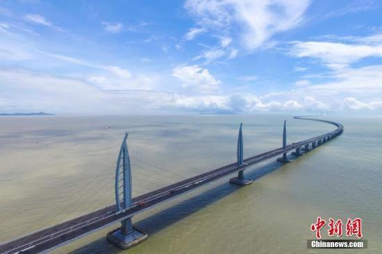 资料图:港珠澳大桥。中新社记者 陈骥�F 摄