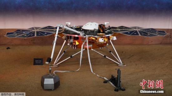 """资料图:美国航天局的""""洞察号""""无人探测器在火星成功着陆,执行人类首次探究火星""""内心深处""""奥秘的任务。"""