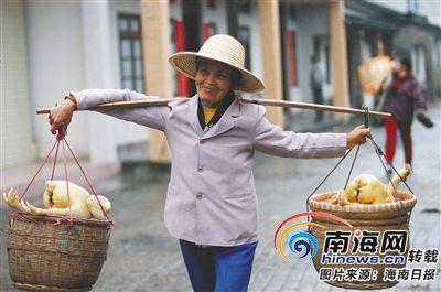 琼海乐城肥鸡赛由民俗活动走向农业品牌战