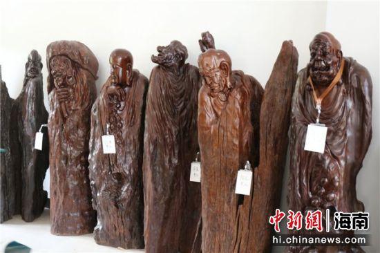 古沉木雕刻。