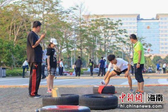 图为参赛选手进行比赛。海南省掷球运动协会 供图