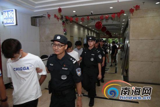 """海南首次曝光警方打击""""杀猪盘""""赌博诈骗窝点视频"""