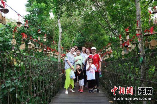 呀诺达雨林文化旅游区推出春节系列活动
