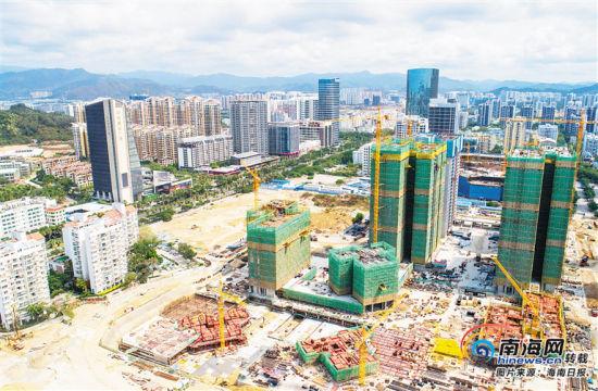 3月20日,俯瞰加速建设中的三亚中央商务区。海南日报记者 武威 摄