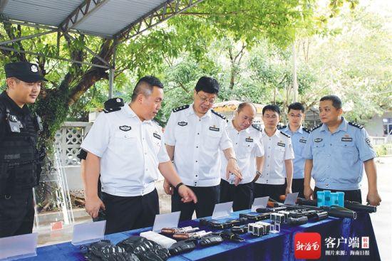 省公安厅领导到定安县调研禁毒工作。