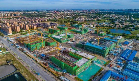 俯瞰中共海南省委党校新校区项目施工现场。海口日报记者 王程龙 摄