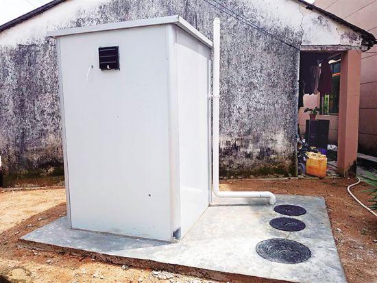 保亭新政镇番通村新建的装配式建筑户厕。
