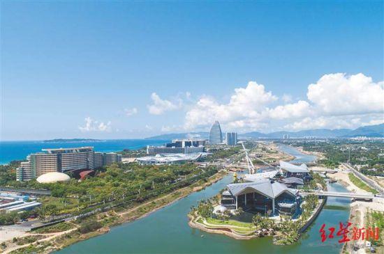 俯瞰三亚海棠湾 图据《海南日报》