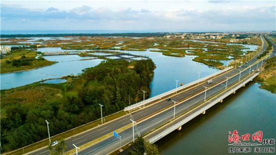 海口江东新区迈雅河区域生态修复景观。康登淋 摄