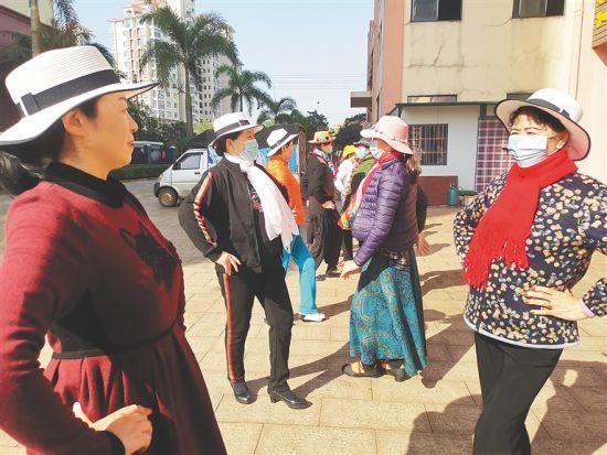1月12日,康乐美养老协会的模特队正在排练。