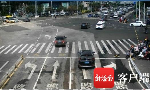 车主在中间路口容易犯晕。记者石祖波 摄