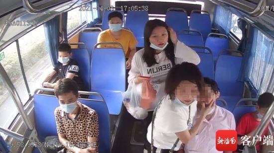 男乘客发病。通讯员供图