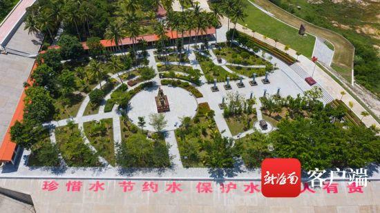 """俯瞰松涛""""170""""文化广场。记者李昊 摄"""