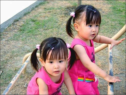 红遍网络的台湾双胞胎小美女长大了