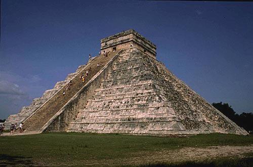的库库尔坎金字塔