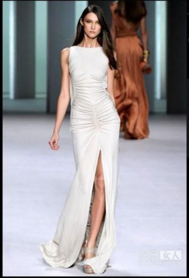 简单手绘线条裙子