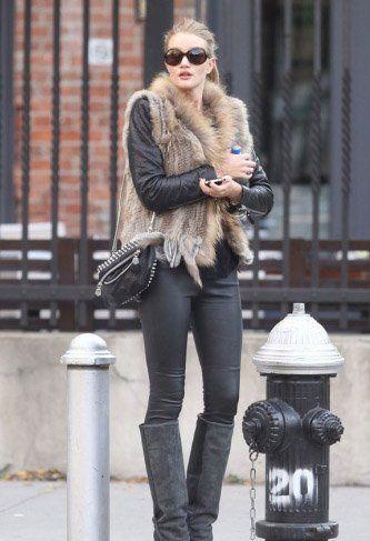 时尚女性 > 正文     牛仔裤+冬靴的易学搭配
