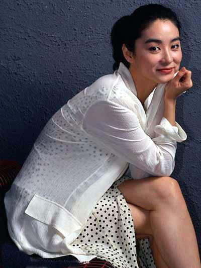52岁林青霞为打败丈夫新欢 要生儿子争家产图片 36078 400x533