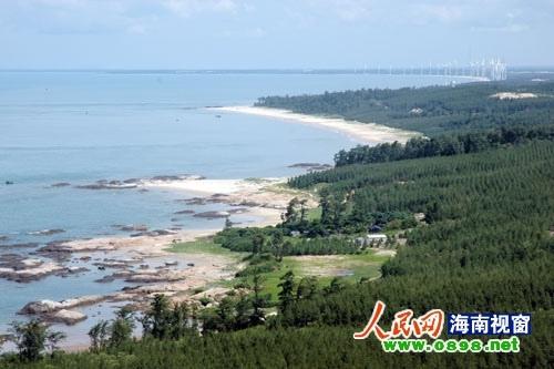 海南的海岸带不仅有着绮丽的风光,同时,在近年来的开发中,树立了