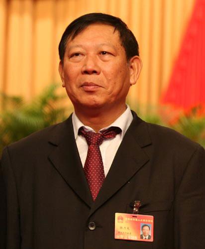 陈海波当选海南省四届人大常委会副主任