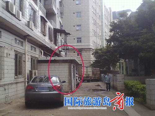 居民投诉酒店厨房占用消防通道