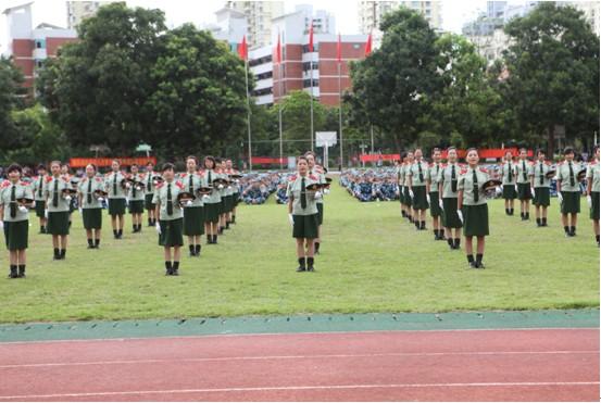 海经院举行2011级新生开学典礼暨军训总结大会