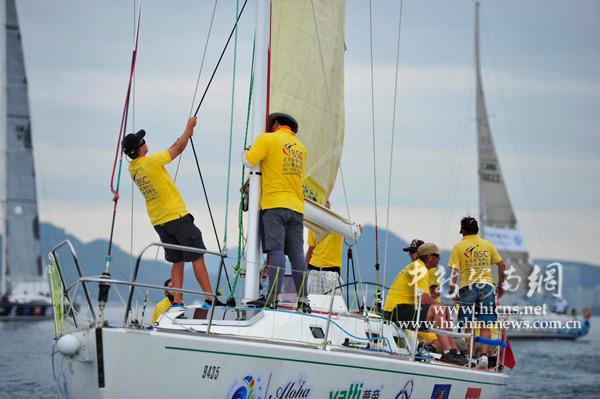 环岛国际大帆船赛在三亚举行场地赛(5)