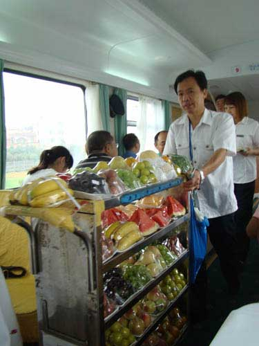 海口至西安列车体验 残障人士享无障碍专席(图)
