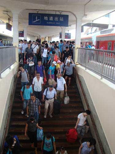 海口首开西安k1168次列车抵终点站全程约40小时