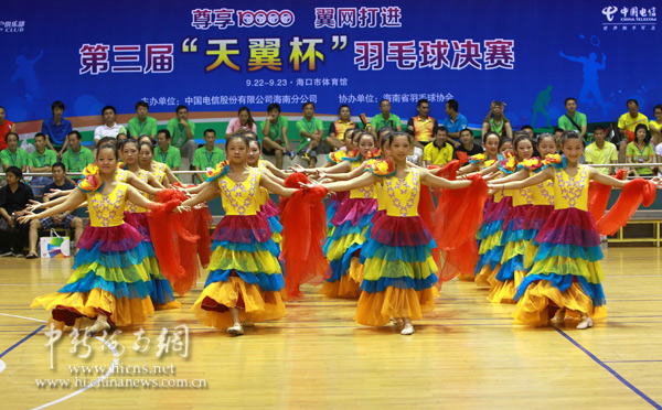 天翼杯 羽球决赛开幕 前世界冠军刘永夫妇亮相