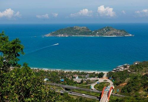 分界洲岛已经成为海南最大的海钓基地;因是中国海岛海底婚礼的首创地