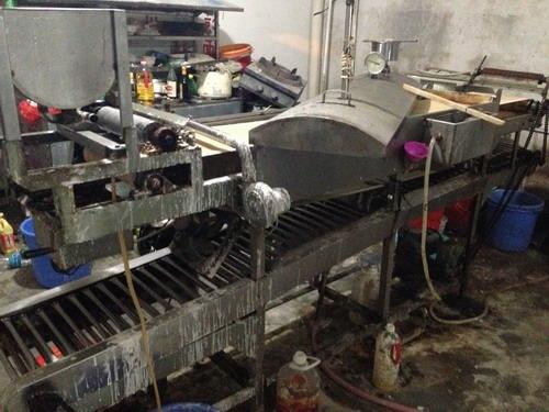 怎么辨别废油桶铁锅