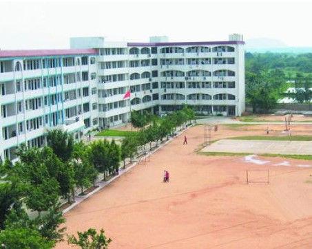 海南首家民办中学定安岳崧学校将停办 家长无奈