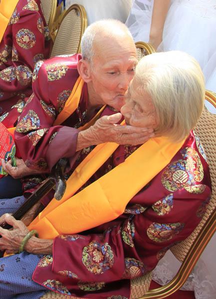 三亚重阳节百岁夫妇环游a夫妇世界游戏暖暖传授秘笈大全攻略图片