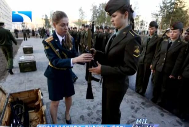 胎儿 孕妇/俄罗斯军校女学员持枪照爆红揭秘各国霸王花