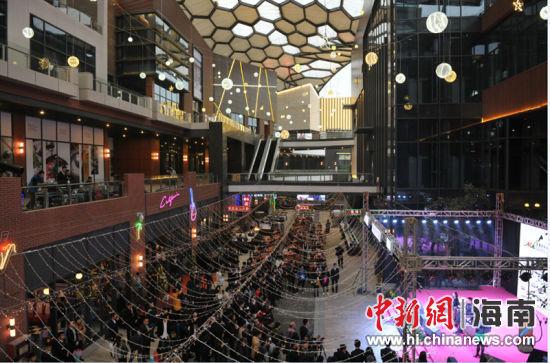 兰桂坊酒吧街,地道香港生活