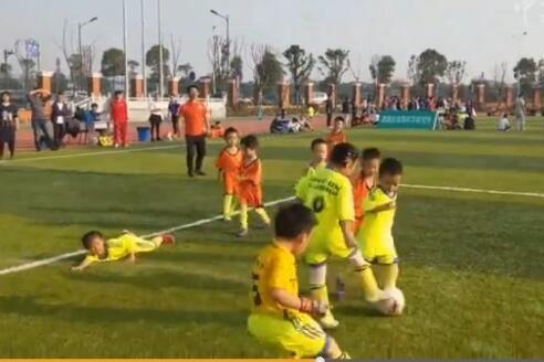 湖南幼儿足球赛小女孩神一般的v幼儿让女生崩扣扣男孩女生头像图片