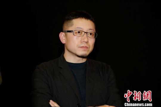 图为:导演忻钰坤。 片方供图