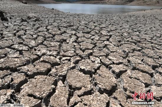 当地时间2019年9月5日,洪都拉斯特古西加尔巴,由于严重的干旱天气,当地向100多万人供应饮用水的拉康塞普西翁水库(La Concepcion dam)干涸,该国宣布进入紧急状态。