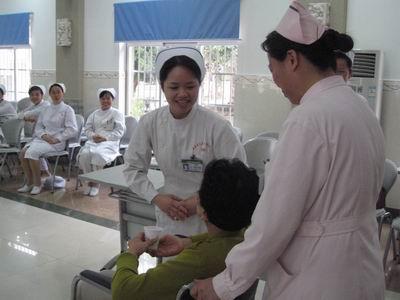 海南省总局医院农垦护士长礼仪培训红树林说课稿图片