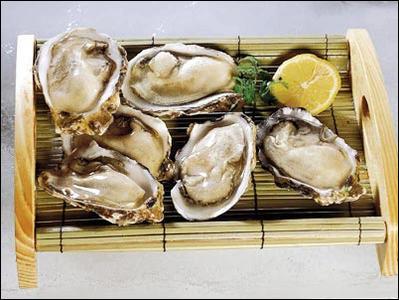 牡蛎味道鲜美 但是生吃危险最大