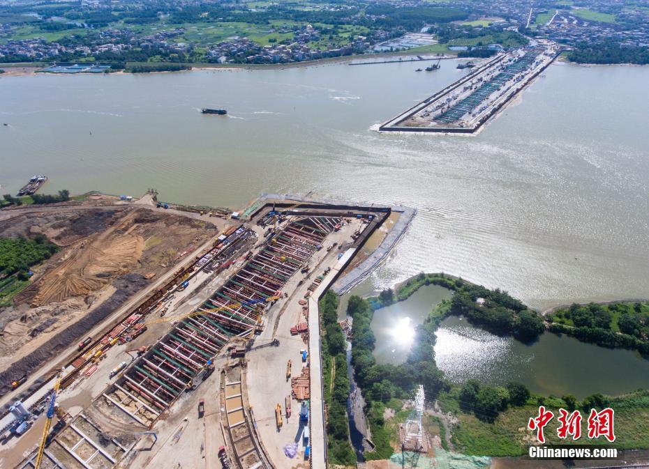 航拍海口首条越江隧道项目稳步推进