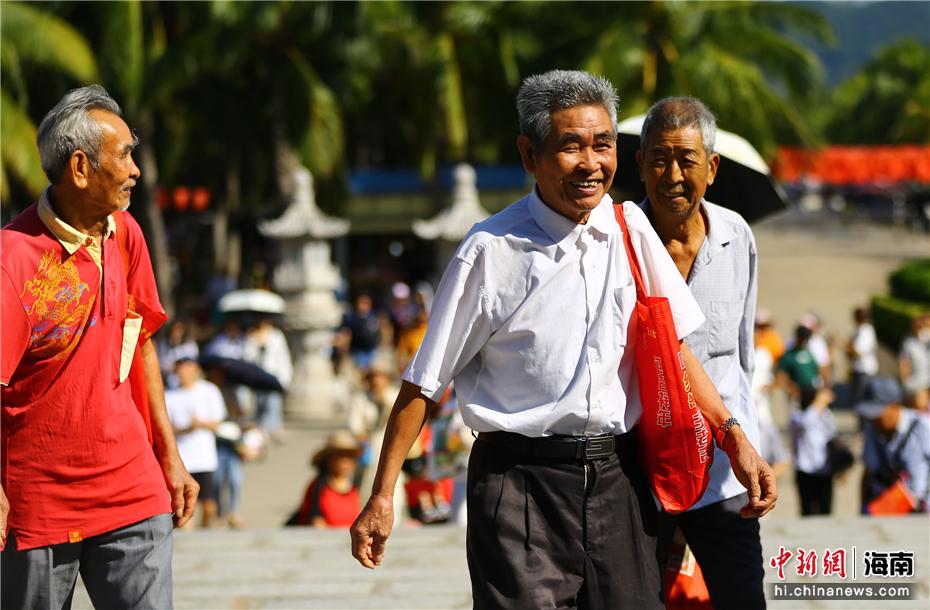 重陽節:中老年遊客遊南山感長壽文化