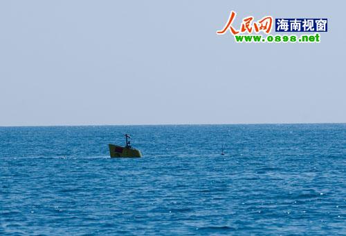 """海南分界洲岛海域""""惊现""""一艘潜艇"""